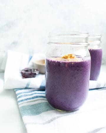 blueberry smoothie in jar